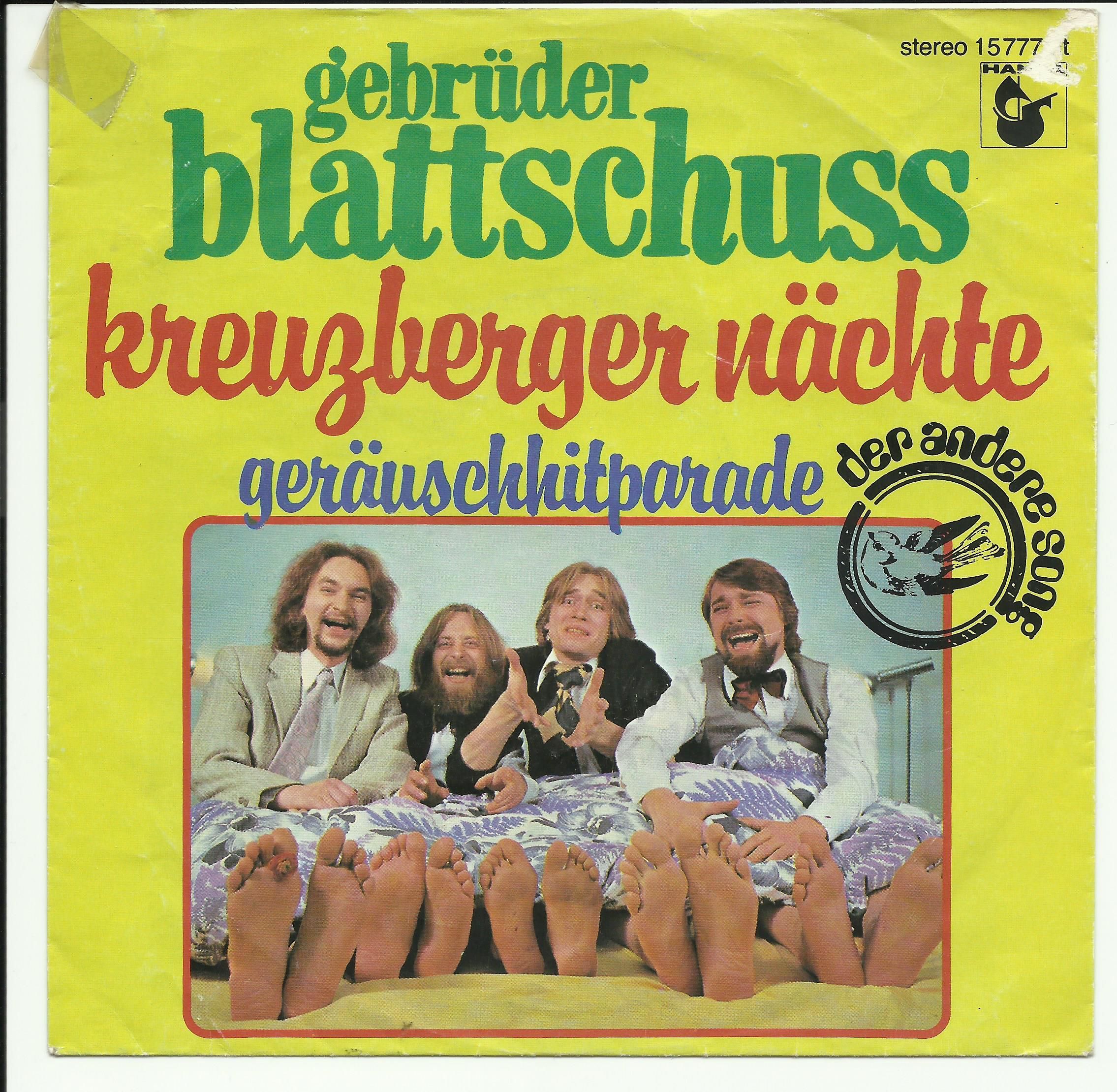 """Das Cover der Single """"Kreuzberger Nächte"""" - 4 Musiker, 5 Paar Füße..."""